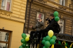 První fotky z pražského Majálesu - fotografie 11