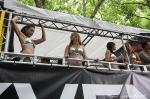 Čtvrté fotky z Loveparade - fotografie 40