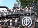 Druhý fotoreport z Loveparade v Duisburgu - fotografie 97